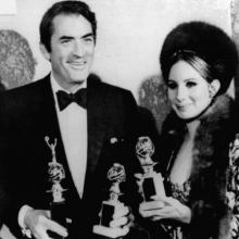 Barbra Streisand și Gregory Peck, la Globurile de Aur, ediția 1969