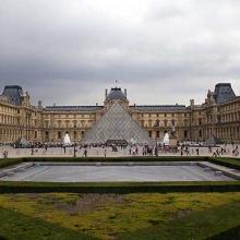 Muzeul Louvre