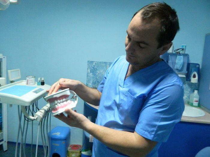 Dr.Chislari2
