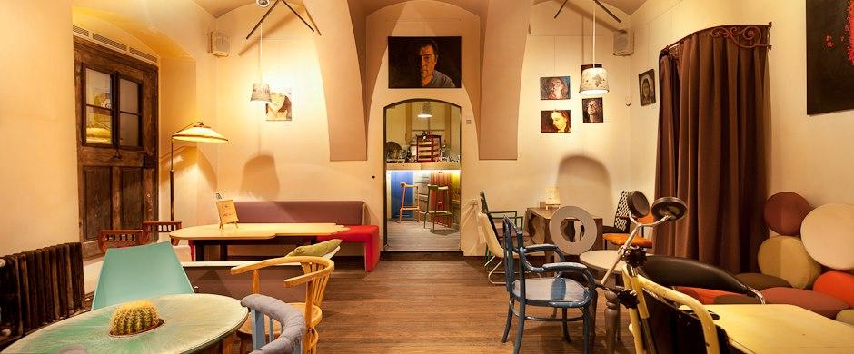 Colaj Cafe