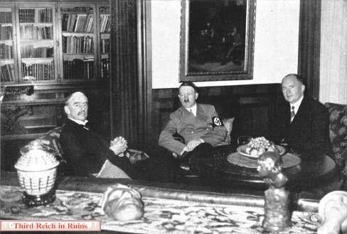 Hitler Chamberlain Paul Schmidt