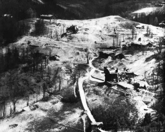 Berghof dupa bombardament