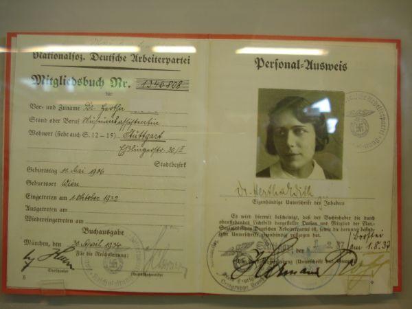 Carnet membru de partid nazist