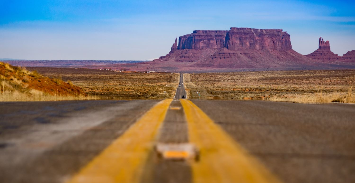 The road to Monument Valley-Arizona