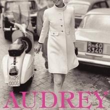 """Coperta cărții """"Audrey in Rome"""""""
